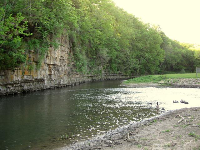 Apple River Canyon State Park